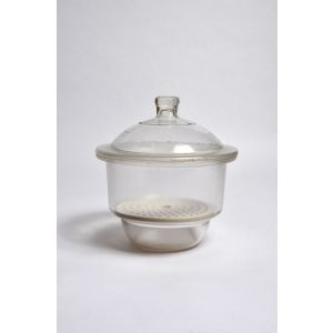 Heavy Duty Glass Desiccator with Porcelain Plate 12